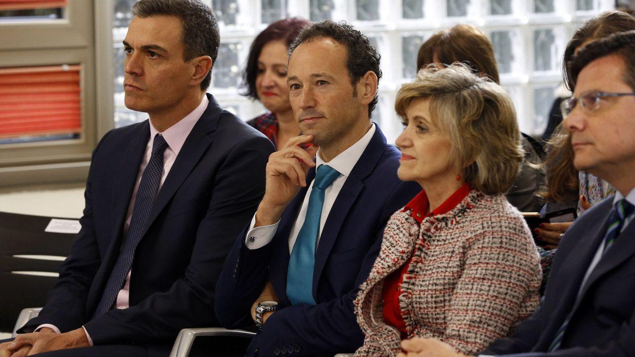 Pedro Sánchez con Guillermo Martínez, María Luisa Carcedo y Pedro Sanjurjo