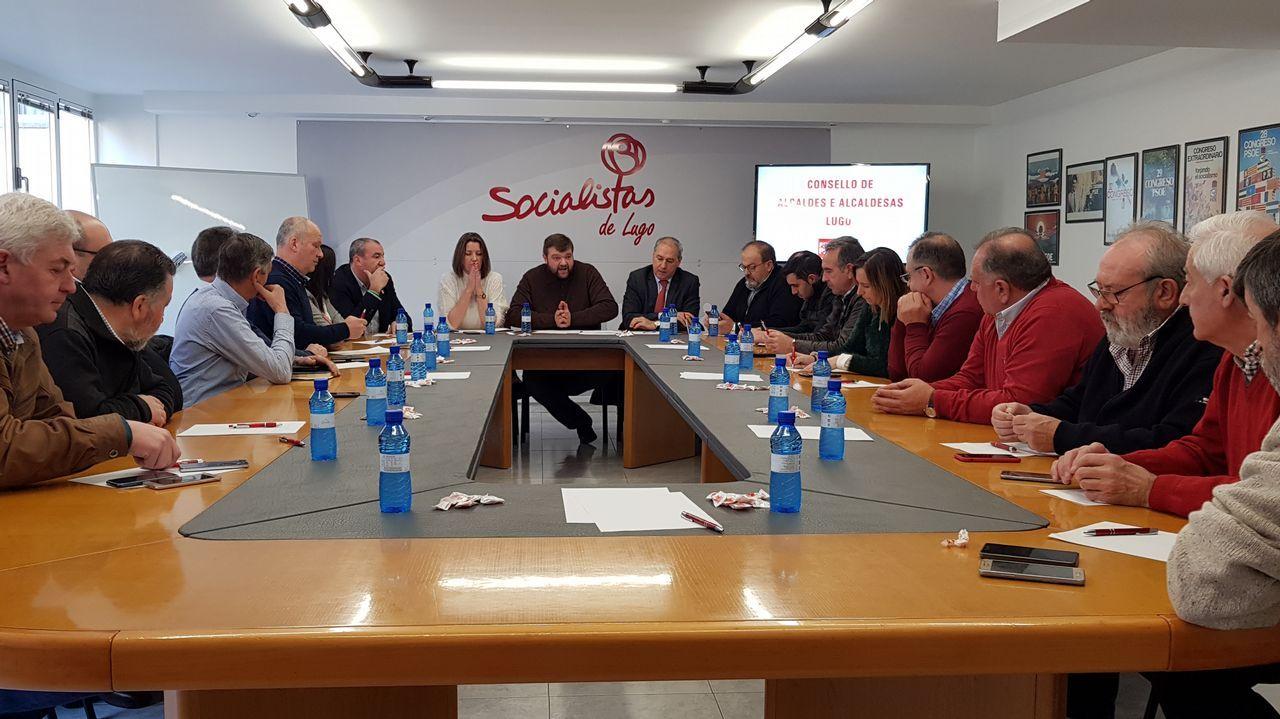 El alcalde de Sober y el máximo responsable de la Sgae en Galicia, ayer durante la presentación del acuerdo