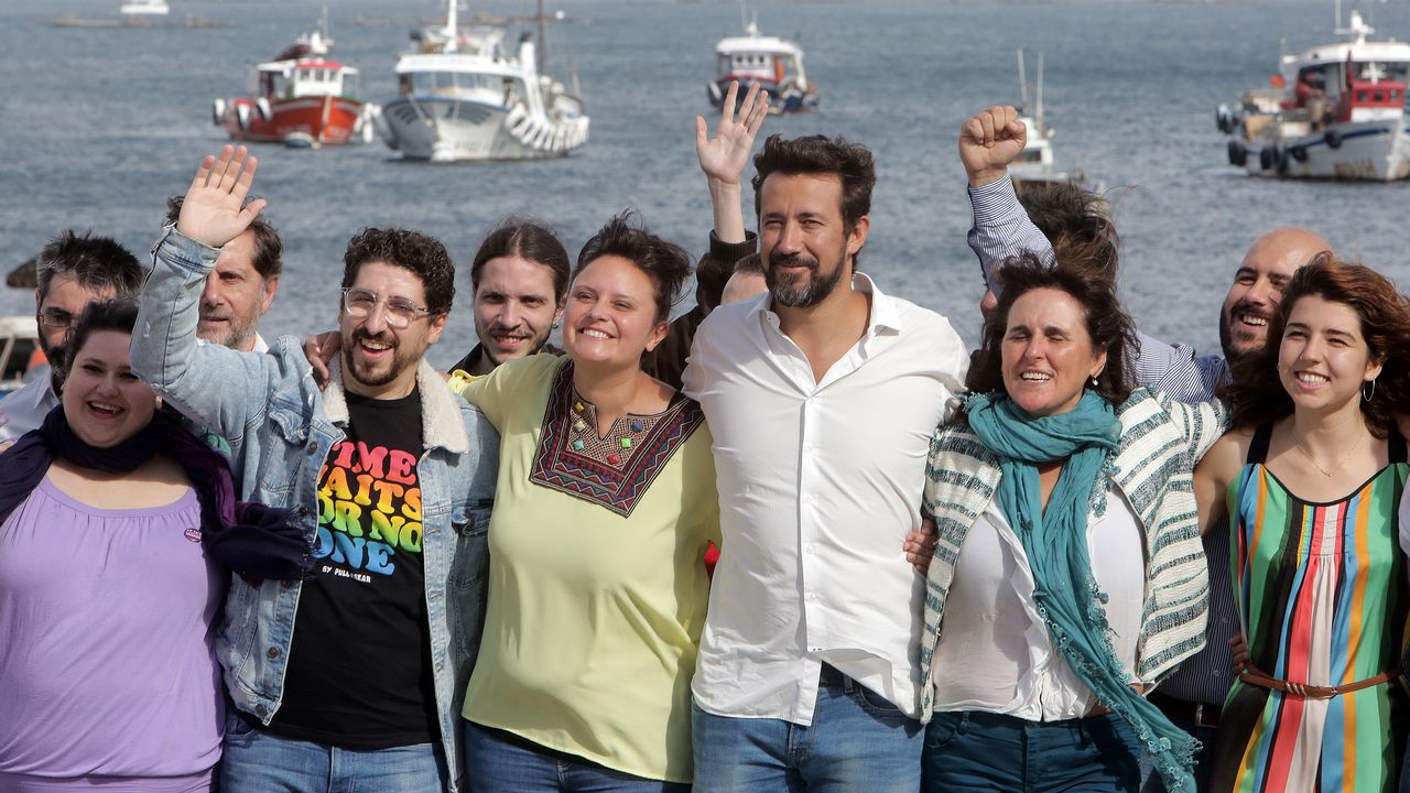 «Compostela, un ano de Voz».Los alcaldes de Ferrol, Santiago y A Coruña durante una comparecencia en 2016