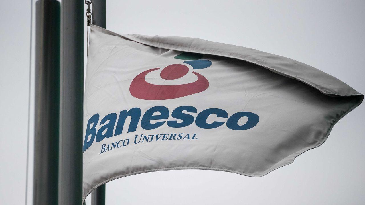 Escotet: «La decisión de intervenir Banesco es política, no se corresponde con los hechos, es desproporcionada».Imagen de archivo de la oficina de Hacienda en Ferrol