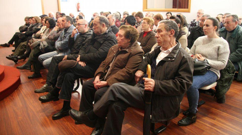 Entrega del premio a las mujeres del cerco en Fontiñas.