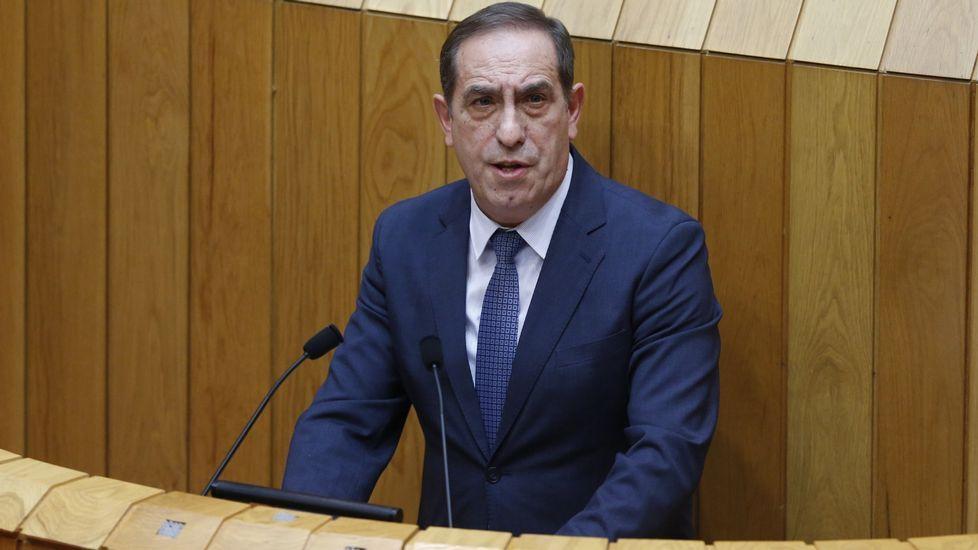 Valeriano Martínez, conselleiro de Facenda, mostró ayer su satisfacción por el anuncio del Consejo de Ministros