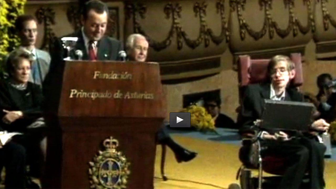 La intervención de Stephen Hawking en el teatro Campoamor de Oviedo