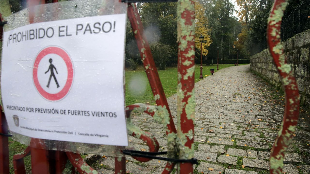El temporal ha obligado a cerrar zonas verdes y parques, como el do Castriño, en Cambados
