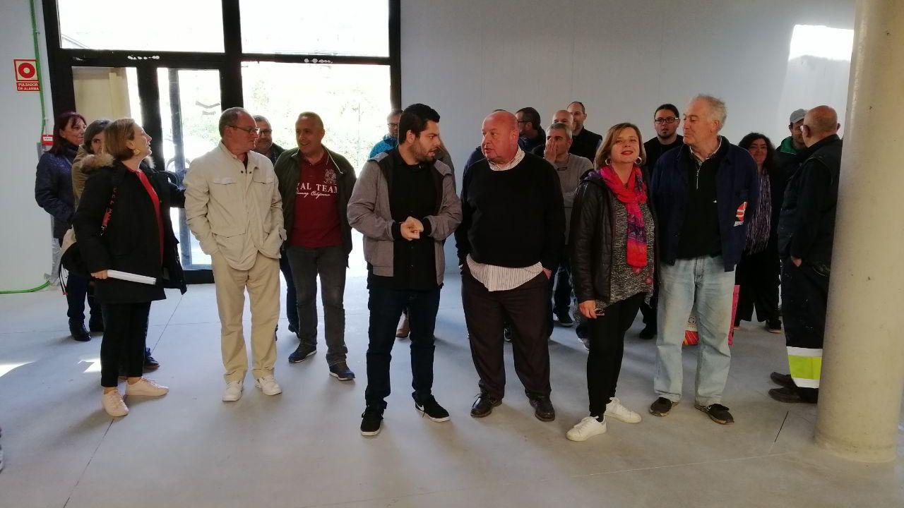 Y los vascos hicieron realidad la Ámsterdam española en Vitoria.Rubén Rosón y Ana Taboada visitan el Mercado de la Corredoria
