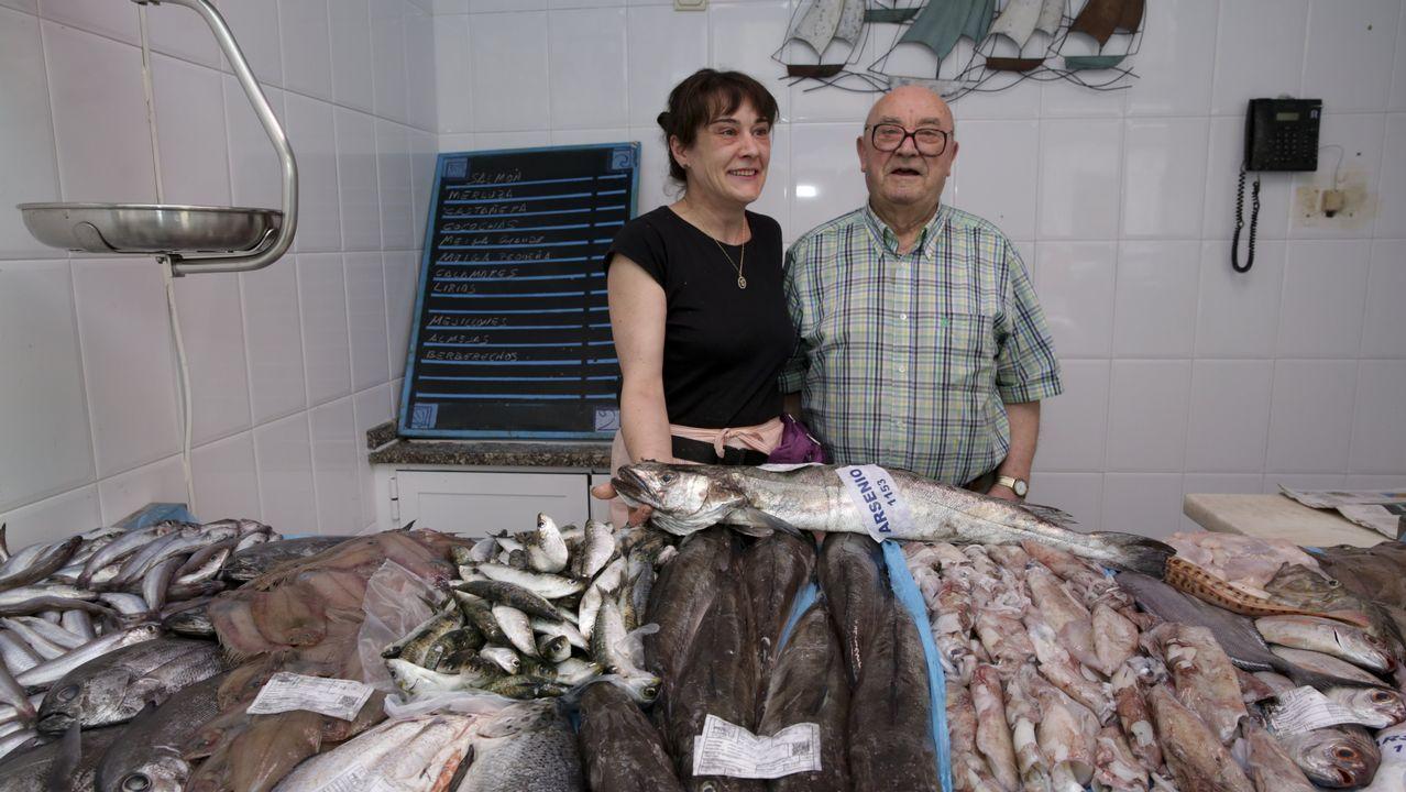 .Dueños de la pescadería Nasa
