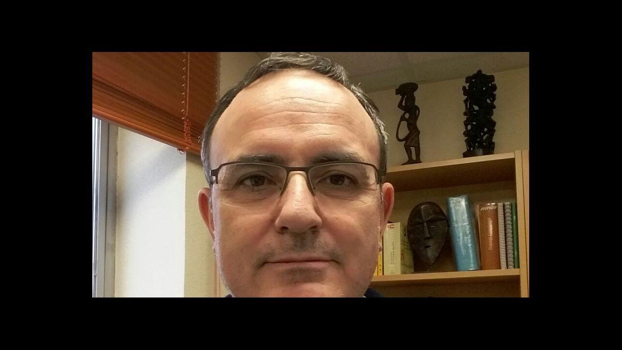 Anquela Hidi Requexon Real Oviedo Horizontal.Muchos colegios incluyen entre los actos de la Semana de la Prensa en la Escuela la visita de algún periodista que participa en una charla sobre la profesión con los alumnos