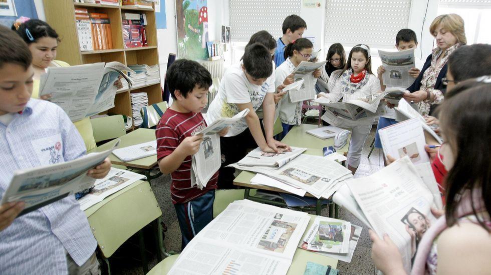 .El periódico es como un libro que se actualiza a diario, lo que favorece tratar temas de actualidad