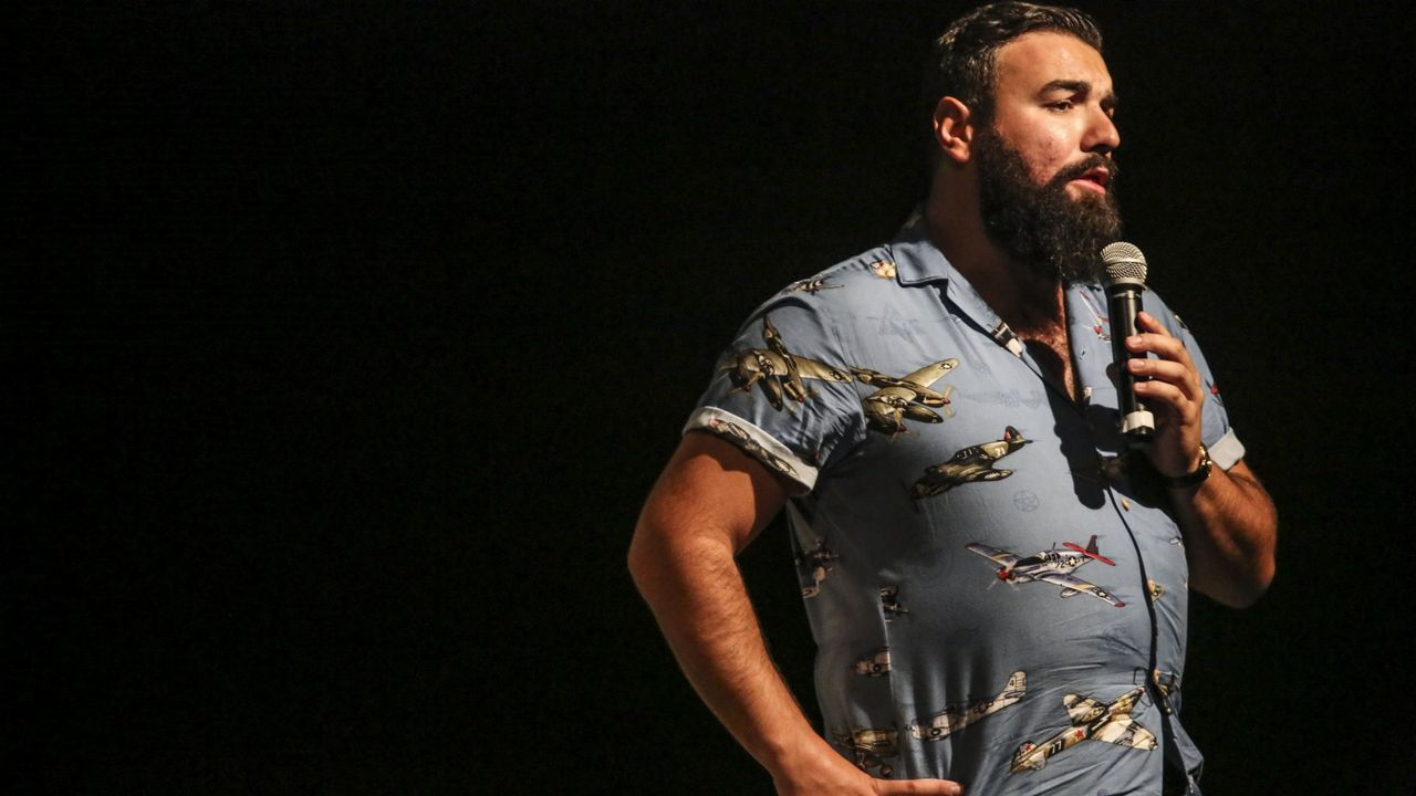 Rober Bodegas ofrece esta noche uno de sus monólogos en la Casa de Cultura de Burela
