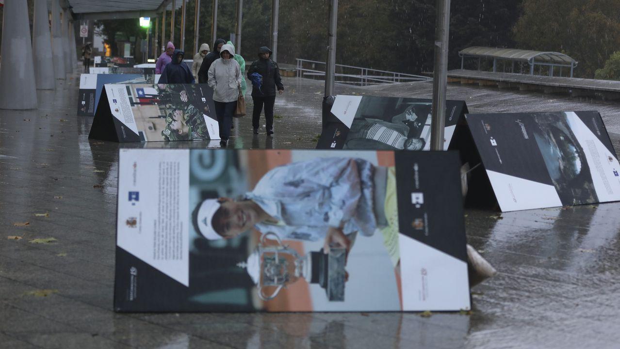 Las  consecuencias del temporal de lluvia y viento en Santiago