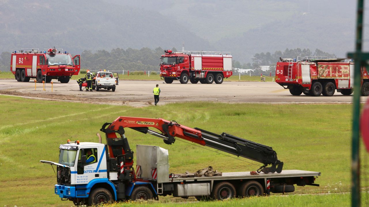 Peinador, sin vuelos de llegada durante tres horas y media.El aeropuerto de Asturias