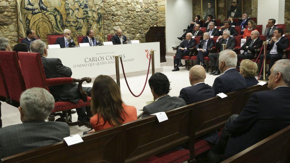 Homenaxe a Casares na Real Academia.Presentación na Academia Galega da biografía de Carlos Casares publicada por La Voz