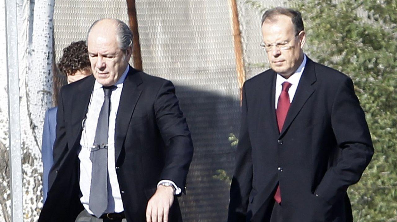 Julio Fernández Gayoso y Gregorio Gorriarán acudieron a los juzgados ayer, por separado, acompañados de sus abogados