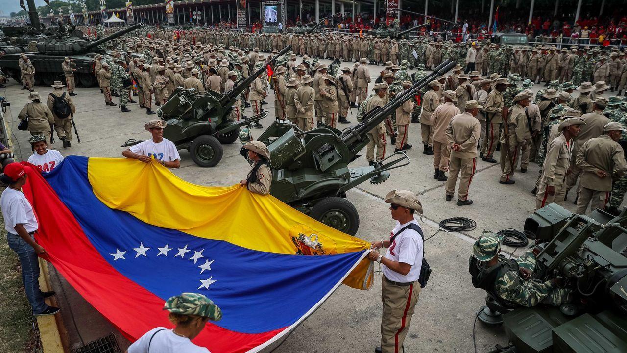 Maduro celebró con miles de milicianos el decimoséptimo aniversario del fracaso del golpe de Estado contra Hugo Chávez