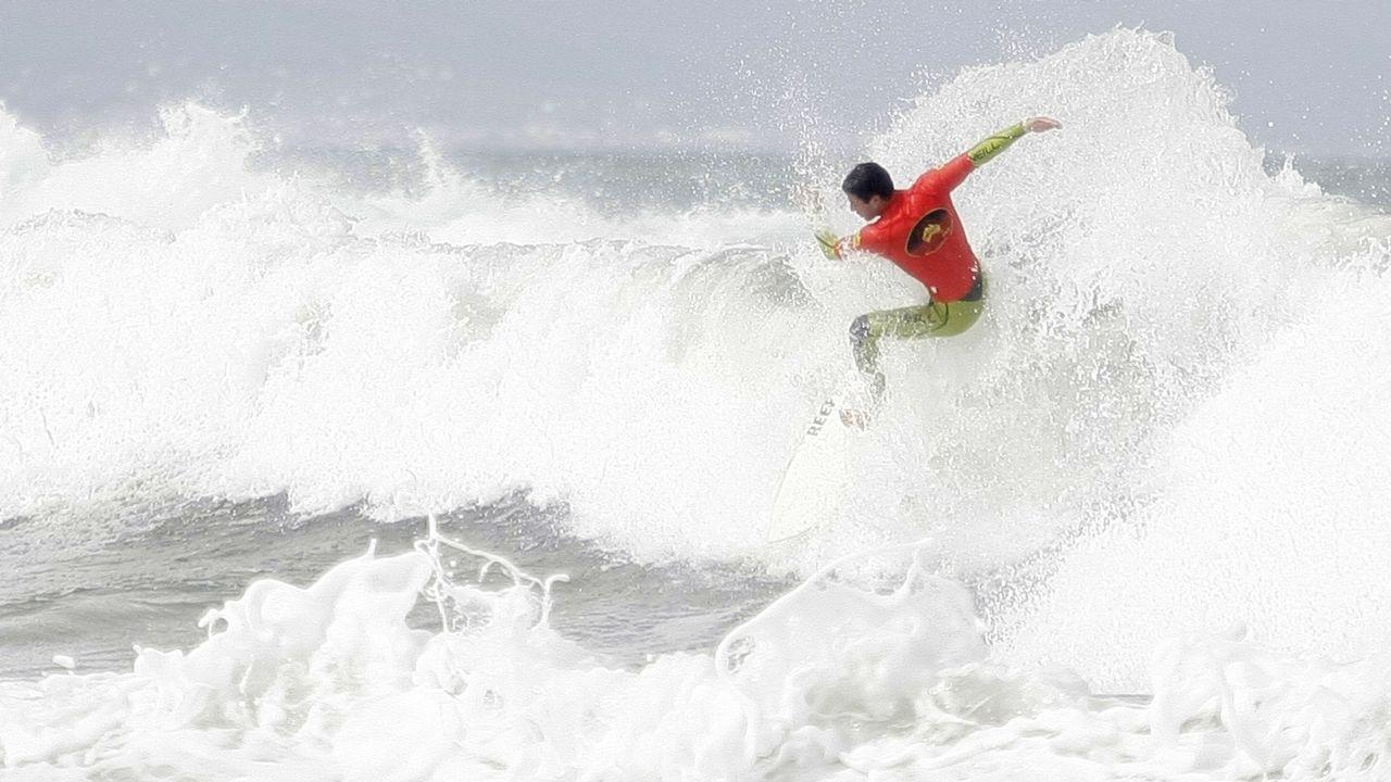 Un rayo mata en pleno entrenamiento a una surfista brasileña.Descenso Internacional del Sella 2016
