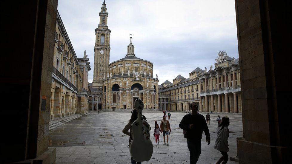Obras en la variante de Pajares.Zona de Actividades Logísticas e Industriales (ZALIA) de Gijón