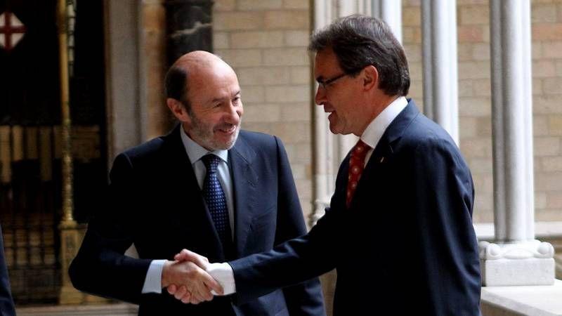 El PSOE cambia de rumbo.Rubalcaba y Artur Mas