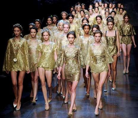 Una sola mulata entre caucásicas en el último desfile de Dolce & Gabbana en Milán. <span lang= es-es >DANIEL DAL ZENNARO </span><span lang= es-es >efe</span>