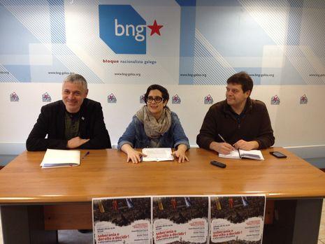 Bieito Lobeira, Avia Veira y Paulo Carballada, en la presentación de la charla