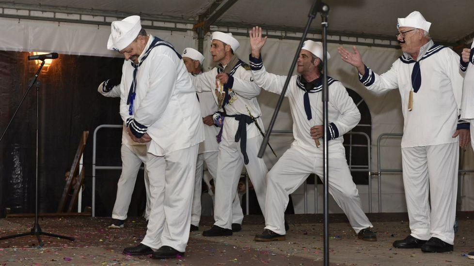 Los majaretas de Muxía  en el concurso de carnaval de Dumbría