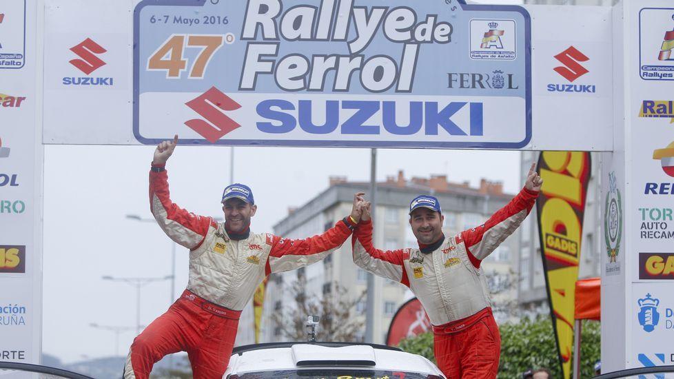 La segunda jornada encumbró a Senra en el Rali de Ferrol.Luis Taboada y Carlos Cagiao mantienen el contacto con la actual directiva de la escudería automovilística ferrolana.