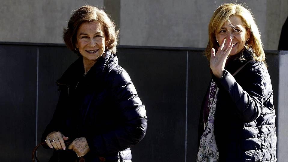El rey Juan Carlos: «Estoy fenomenal».Ejemplos de los sobres que anunciaran los ganadores de los Oscar el próximo domingo 2 de marzo
