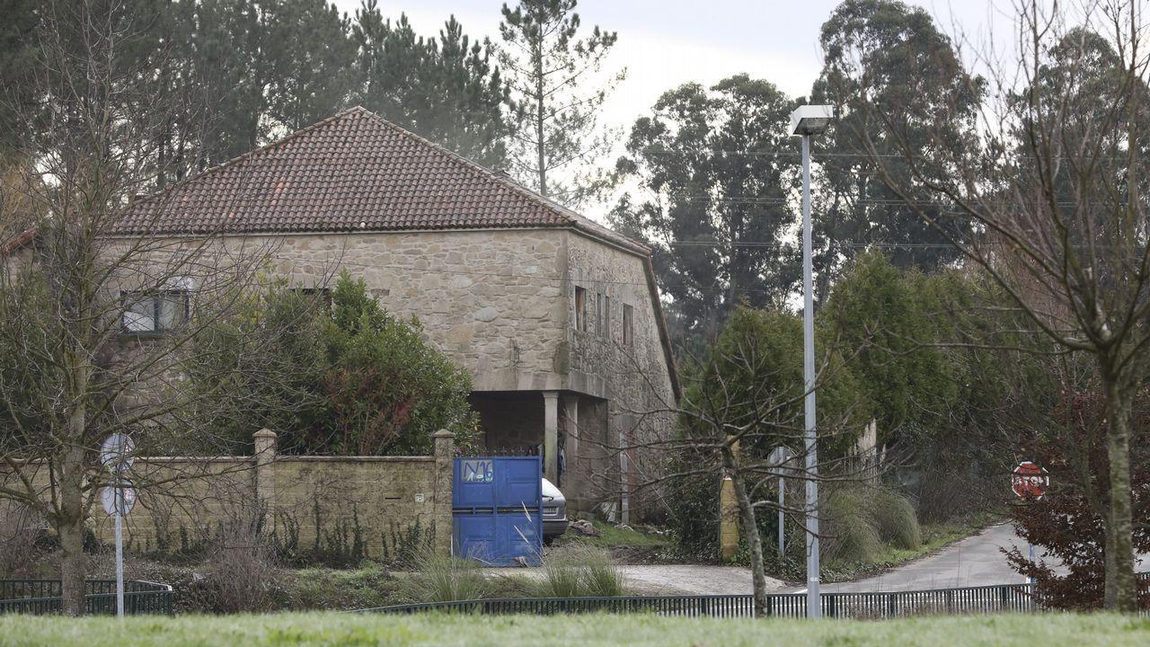 Casa okupada por rumanos entre el Castiñeiriño y el colegio Peleteiro.