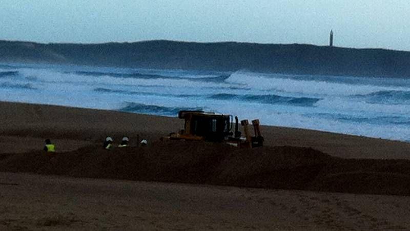 La movilización del naval carga contra el ministro Montoro.La «Salvamar Mirfak» trasladó el cuerpo al puerto de Ferrol