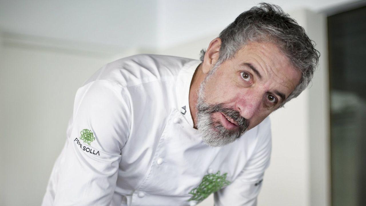 Marcos Morán toma imágenes de Borja Cortina trabajando