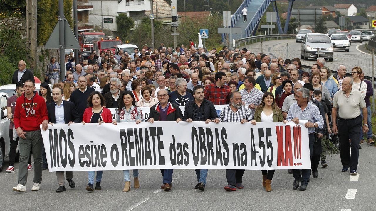 Manifestación para que terminen las obras de la Á 55 en Mos.