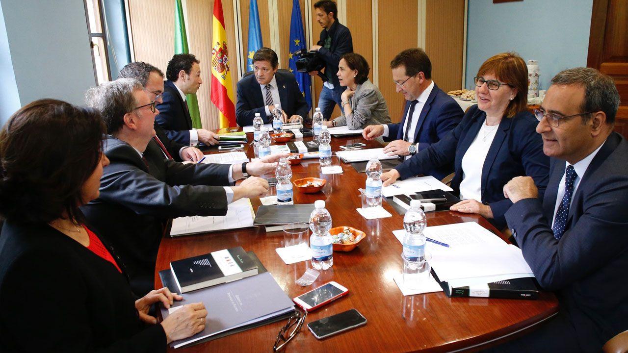 Javier Fernández preside un Consejo de Gobierno celebrado en Santo Adriano