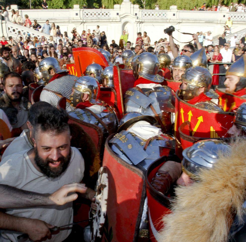 El Arde Lucus moviliza a gran número de lucenses que trabajan a lo largo de todo el año.