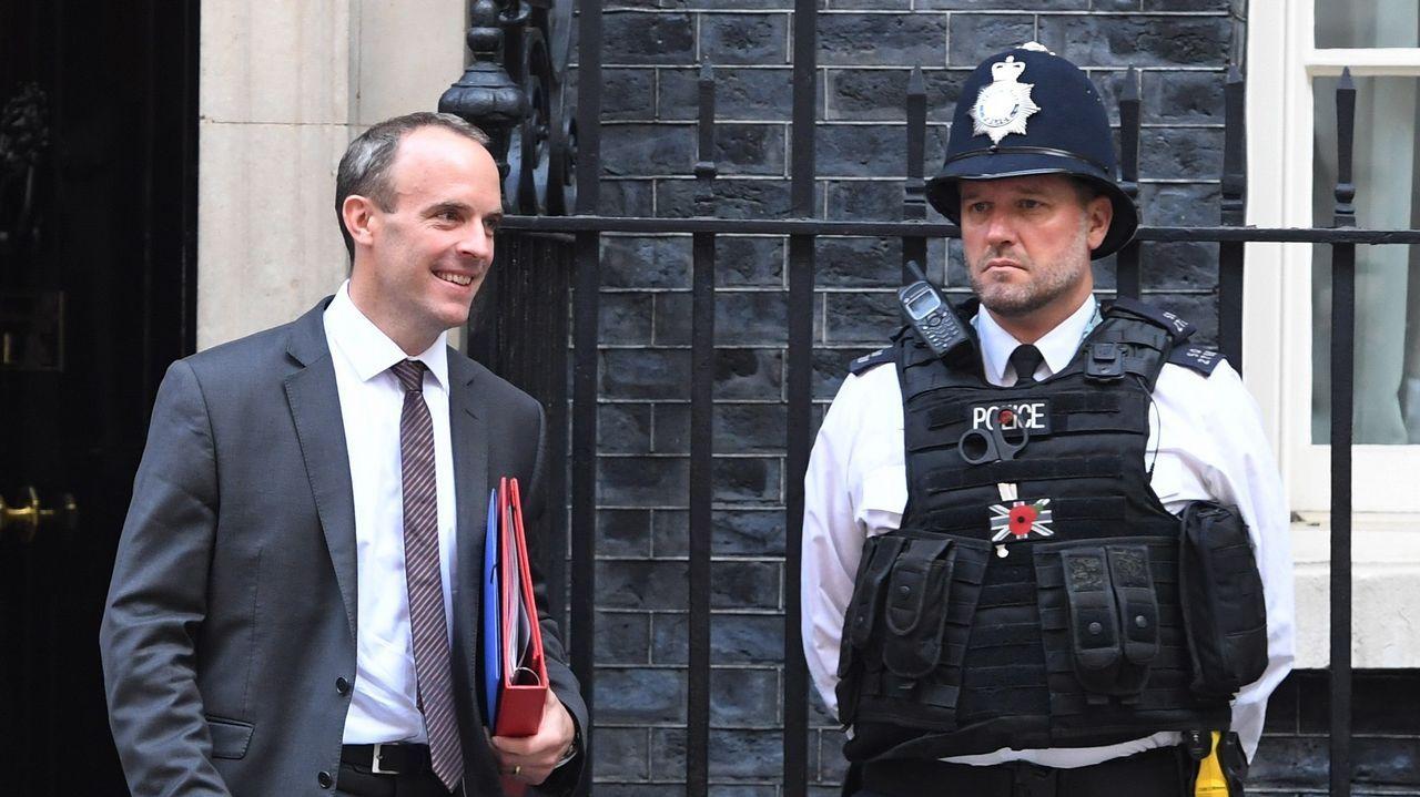 Dominic Raab abandona la reunión del Gobierno británico en Downung Street