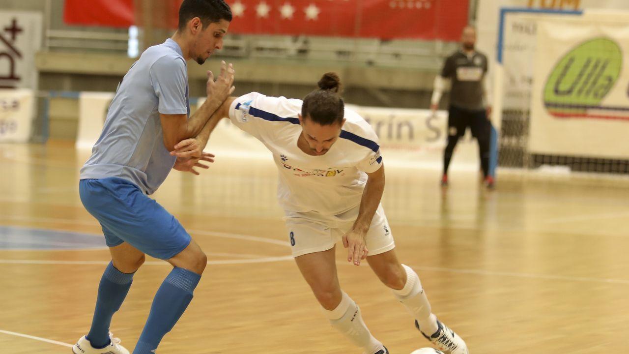 Saul Berjon Real Oviedo Elche Carlos Tartiere.Jugadores del Oviedo tras el empate ante el Extremadura