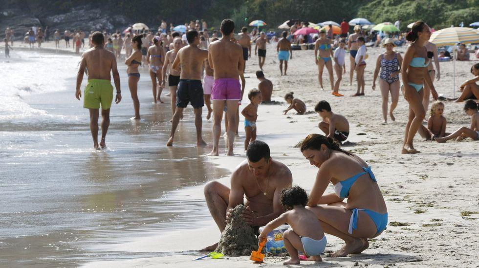 Playa de Retorta, en Boiro.Playa de Canelas, Sanxenxo