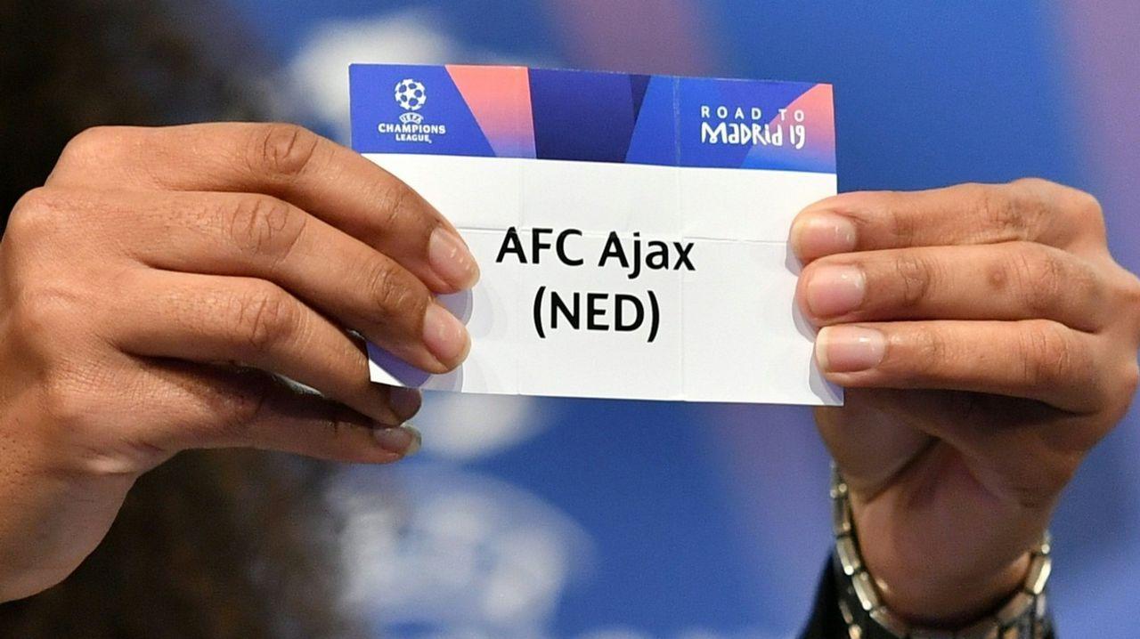 El periodista Jorge Ramos avanzó que Florentino había pedido a la UEFA jugar contra el Ajax.Omar Ramos en El Requexón