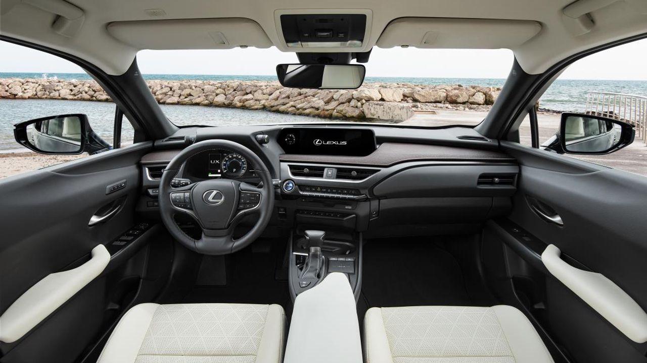 Interior del Lexus UX 250H