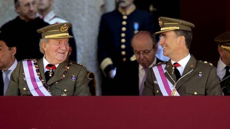 Juan Carlos y el príncipe Felipe, primer acto oficial juntos tras la abdicación.Francisco Díaz instantes antes de la asamblea anual de socios de la entidad.