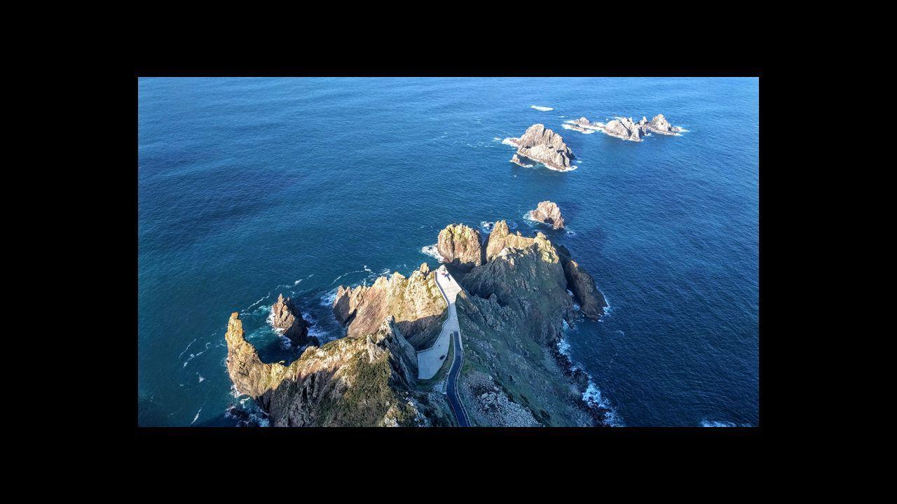 .Cabo Ortegal y Os Aguillóns, en Cariño