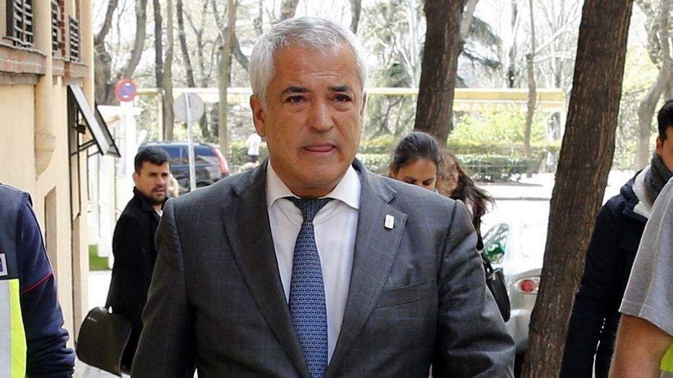 Luis Pineda, a la salida de un registro en la sede de Ausbanc en el año 2016