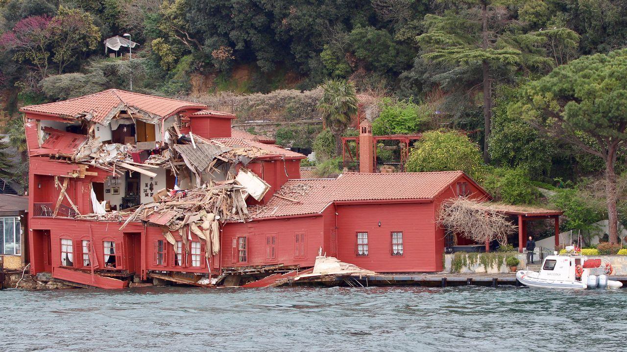 Asi quedó la casa tras el impacto del petrolero