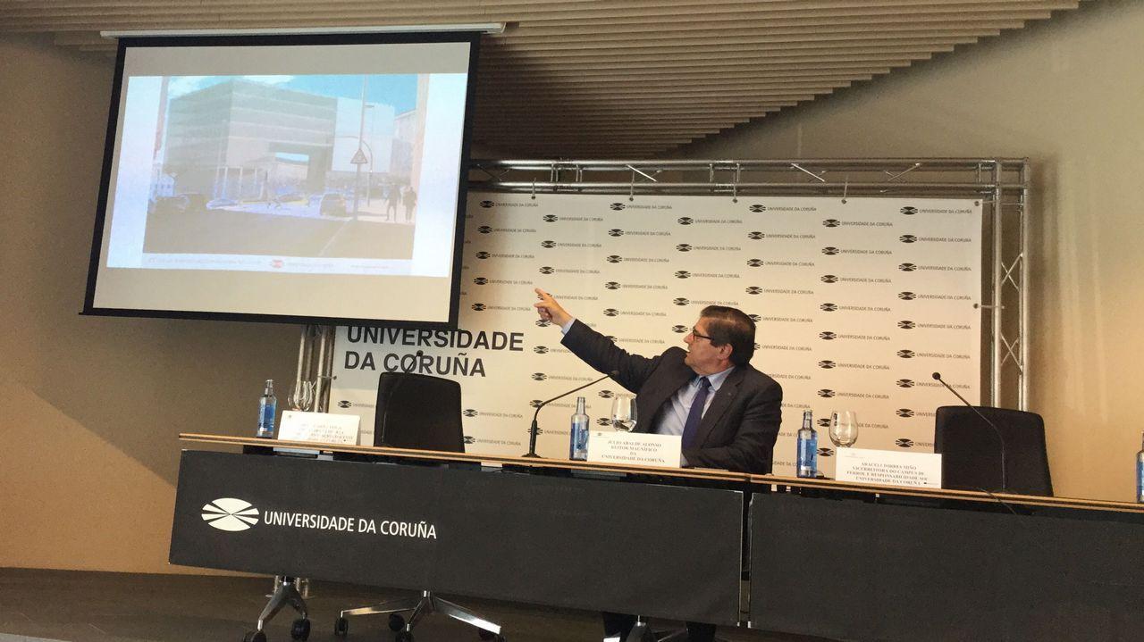 Julio Abalde también presentó el nuevo edificio de investigación del campus de Ferrol