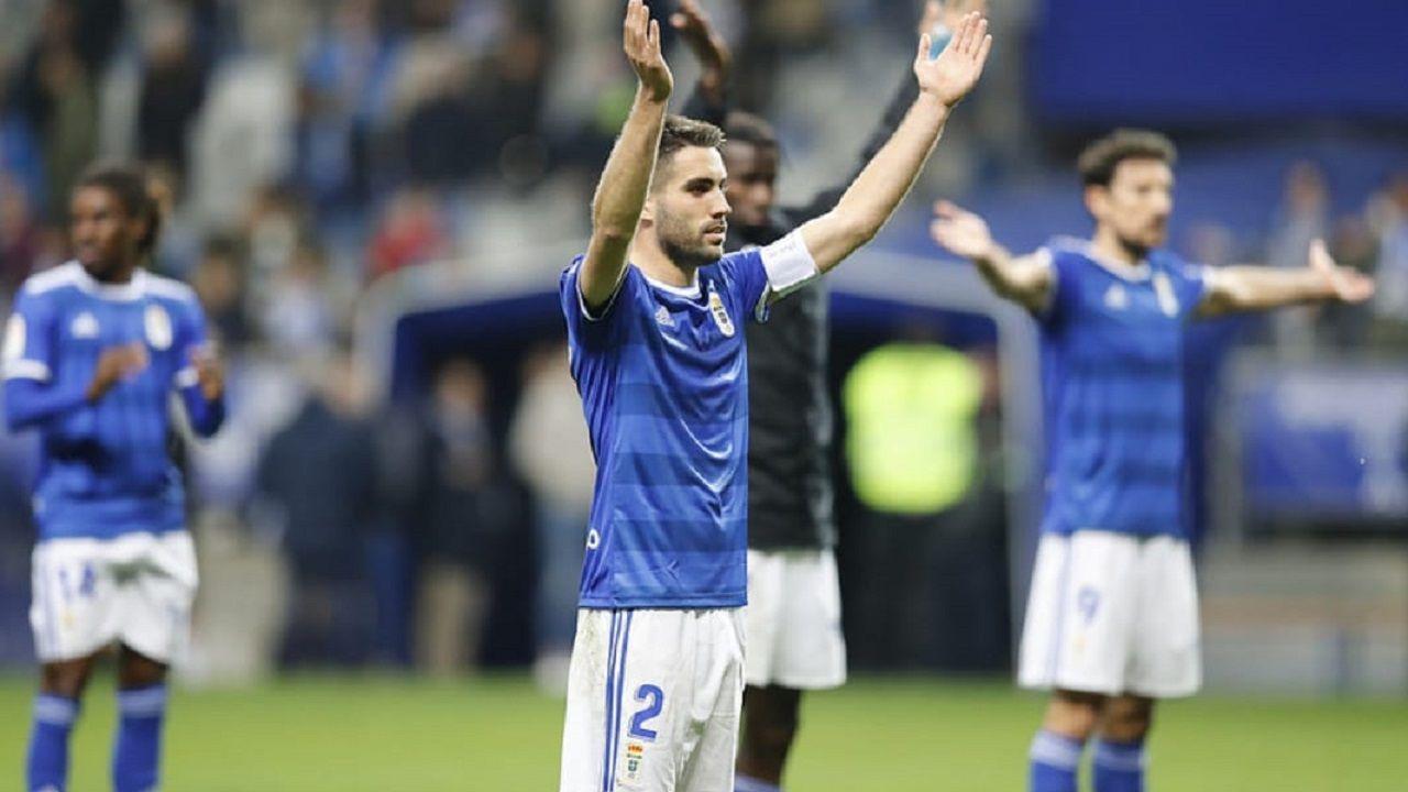 Javi Rozada Bilbao Athletic Vetusta Lezama.Diegui Johannesson, dirigiendo el grito islandés tras ganar al Reus