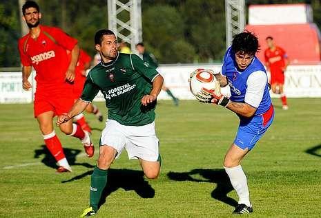 El Racing y el Galicia de Mugardos juegan todos los veranos en A Pedreira.