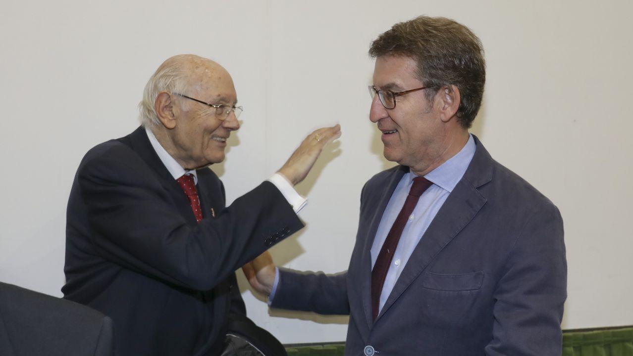 .Romay Beccaría, mentor político de Feijoo, coincidió con este en un acto en Santiago