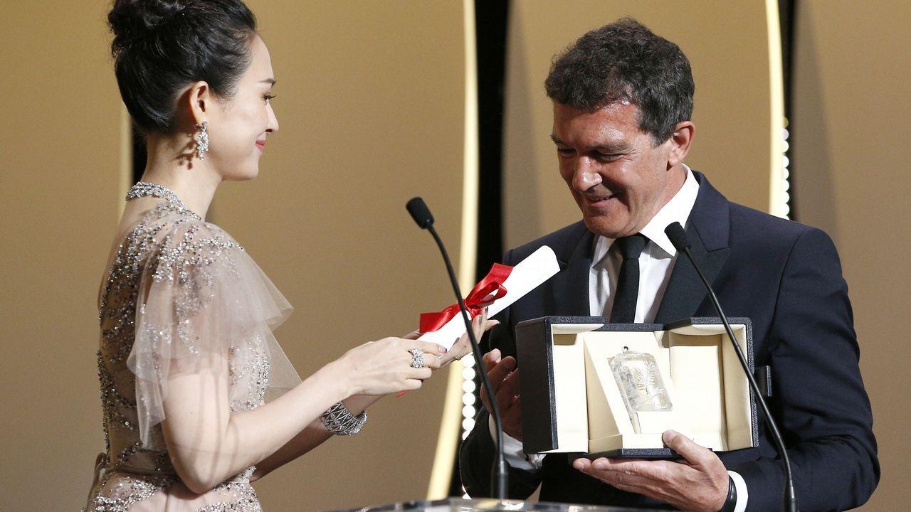 Una joya escondida en la provincia de Lugo.Antonio Banderas, en el momento de recibir su premio