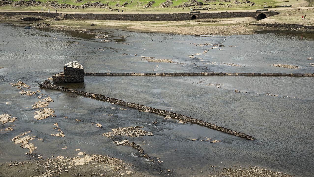 Recorrido fotográfico por las ruinas del viejo Portomarín
