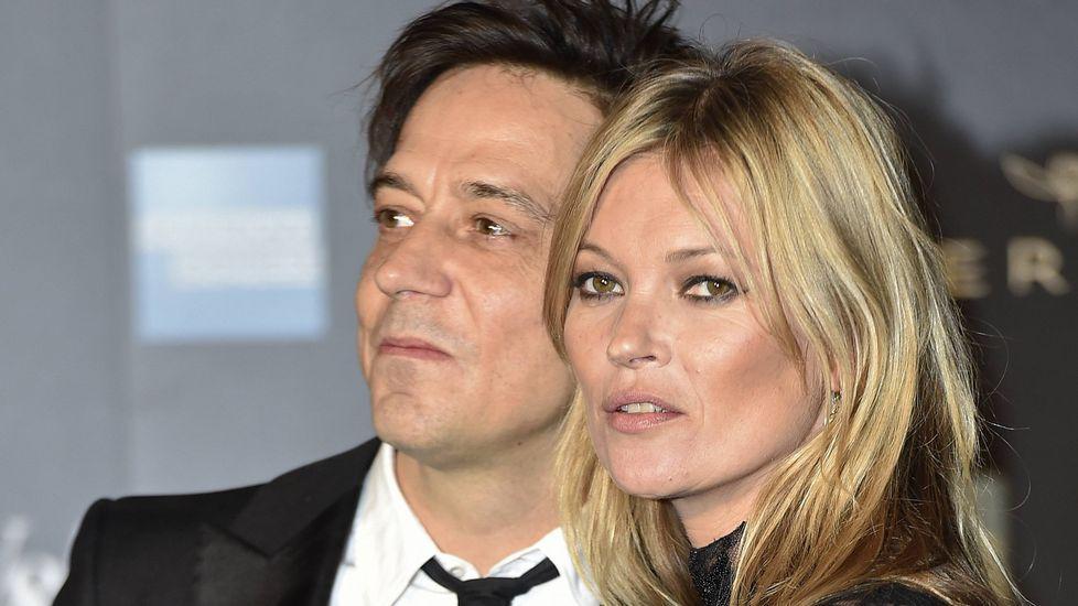 ¿Cuál es la edad mínima para desfilar?.La modelo Kate Moss y su marido, Jamie Hince, el pasado marzo