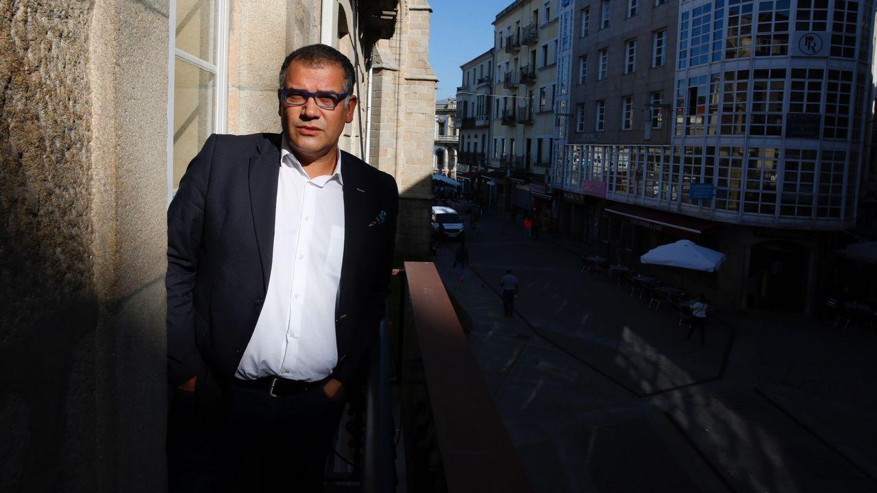 Paliza de un padre al profesor de su hija.Escrutinio del voto emigrante en el 2005 en A Coruña