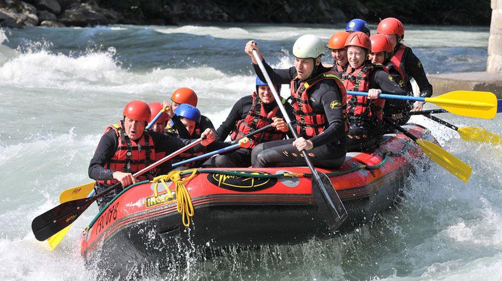 Rafting.El helimer de Salvamento Marítimo de Gijón